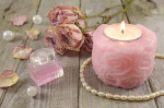 Photo candle bougie and perfume bottle flacon de parfum